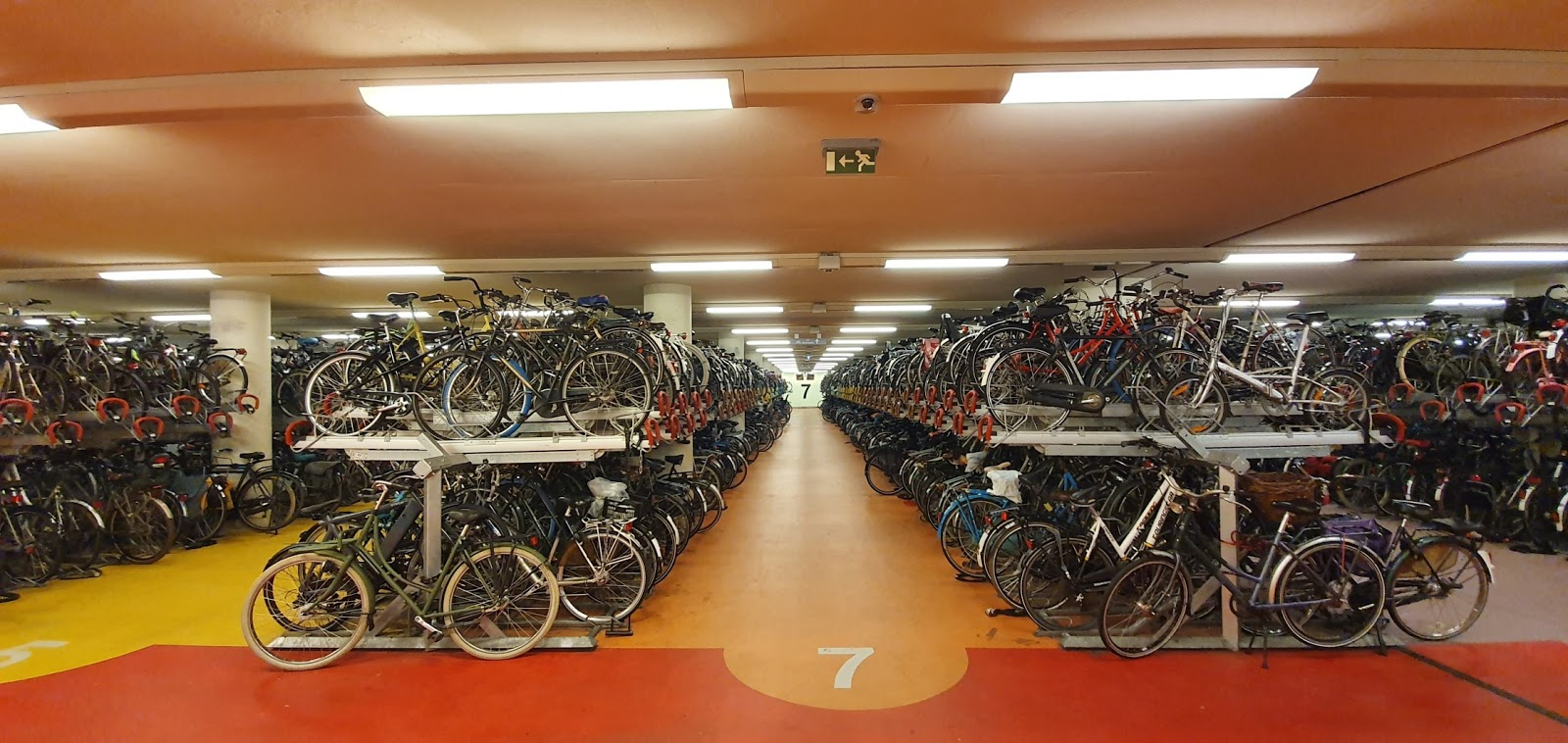 Storage space at Centraal Station for 5,500 bicycles